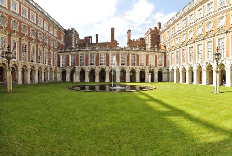 column courtyard composite